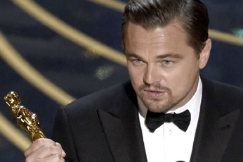 Enfin Leonardo DiCaprio décroche son premier Oscar après cinq nominations