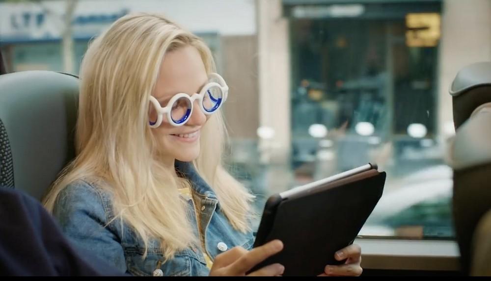 Des lunettes pour en venir à bout — Mal des transports