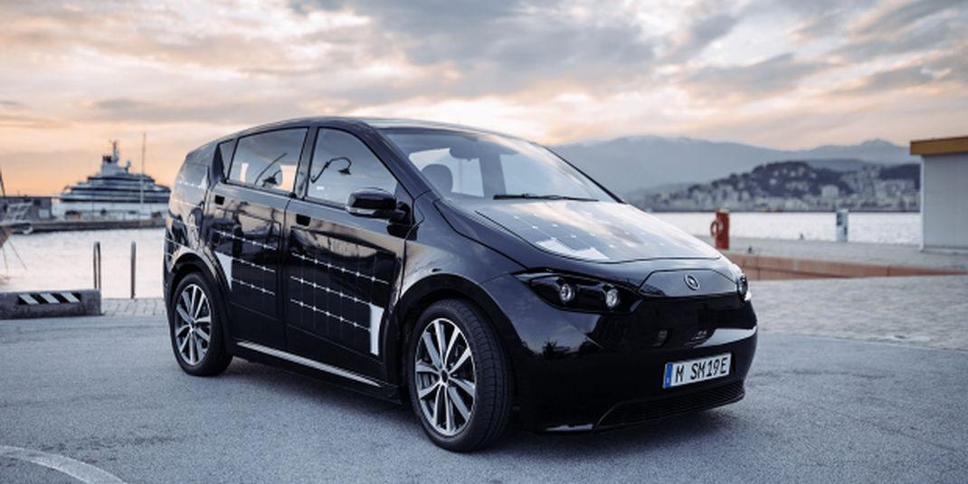 « Sion EV » : une voiture électrique recouverte de panneaux...