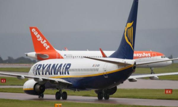Concurrence: EasyJet et Ryanair ouvrent à la vente leurs vols programmés pour 2019